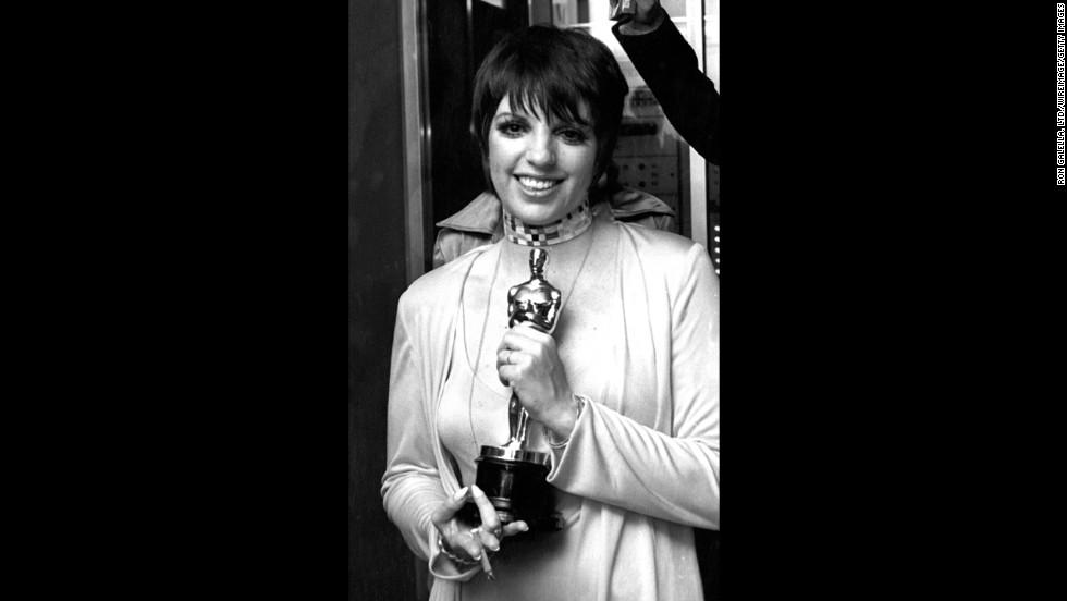 "Liza Minnelli holds the Oscar she won for ""Cabaret."""