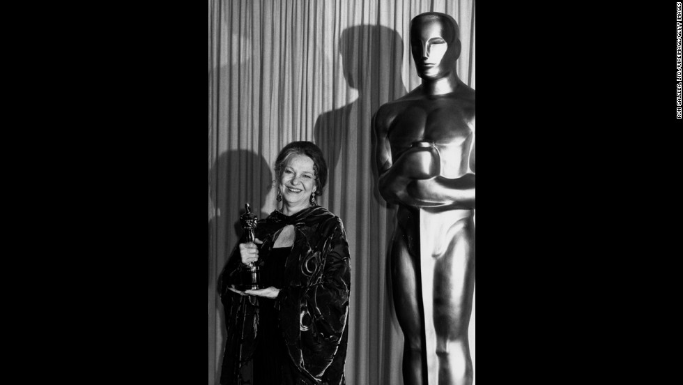 """Geraldine Page wins best actress for """"The Trip to Bountiful."""""""