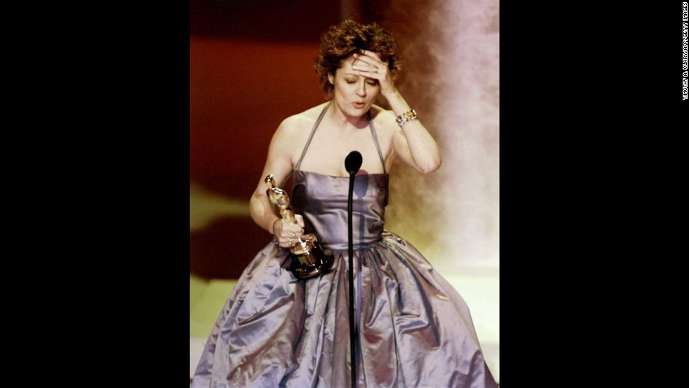 """Susan Sarandon accepts the Oscar for her role in """"Dead Man Walking."""""""