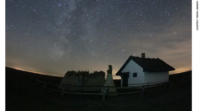 Need a romantic date idea? Maybe a picnic with traditional Hortobágy cuisine in the glow of the Milky Way.