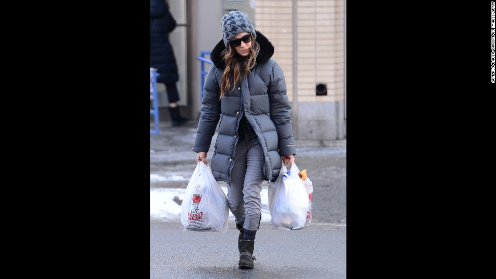 "These days, celebrities influence the type of clothing that is appropriate in public, according to Clinton Kelly of ""What Not To Wear."" Actress Sarah Jessica Parker, for example, wears a puffy coat, jeans and boots while carrying groceries in New York City."