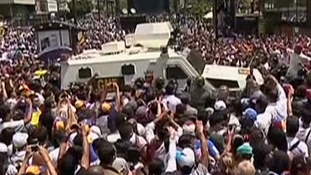 newday Penhaul cameras taken in Venezuela protest_00001118.jpg