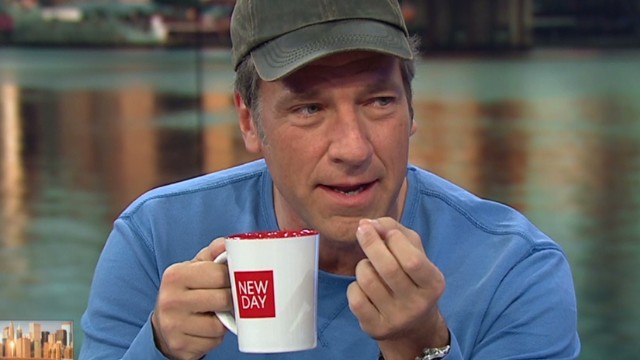 Rowe tries to sell you newday mug_00002213.jpg