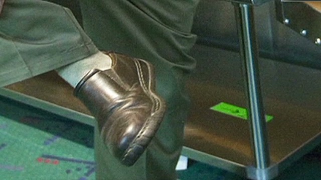 cnnee molinares us alert on planes shoes explosives_00021021.jpg