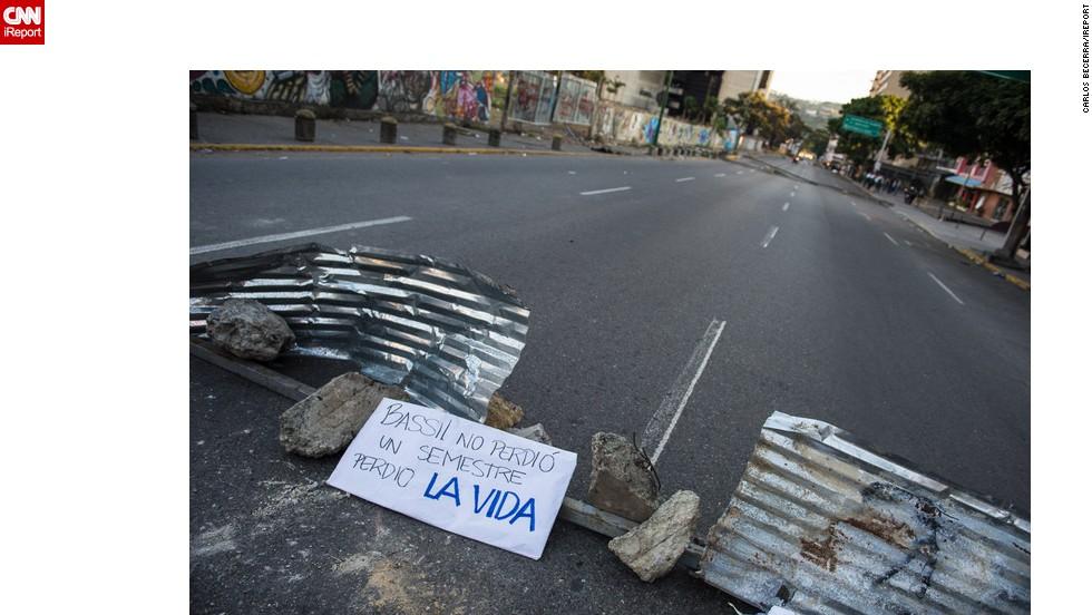 Los manifestantes condenan la muerte del joven Bassil da Costa, asesinado el 12 de febrero.