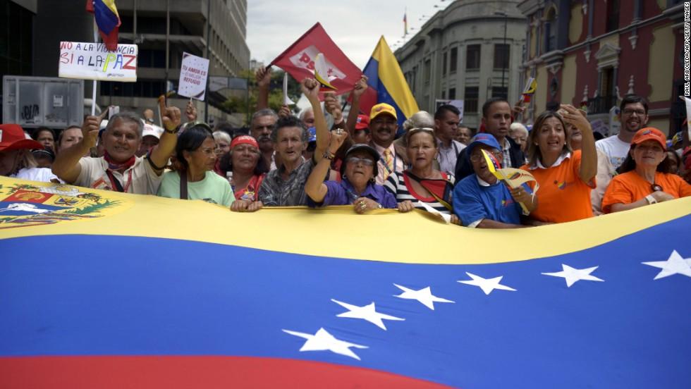 Adultos mayores se movilizaron en apoyo al gobierno de Nicolás Maduro en Caracas el 23 de febrero.