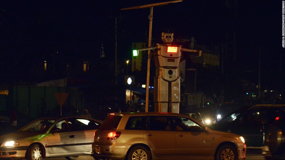 They are installed on Kinshasa's busy Triomphal and Lumumba intersections.