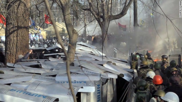 'They are killing us': Scenes from Kiev