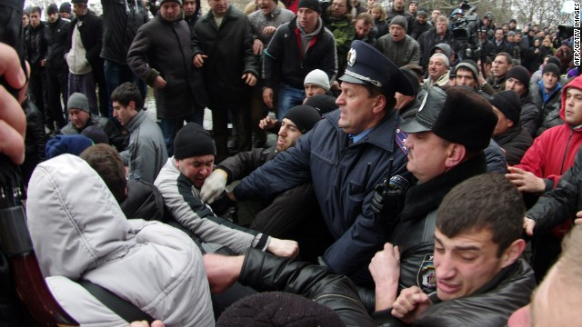 Fears of Ukraine split sparks protests
