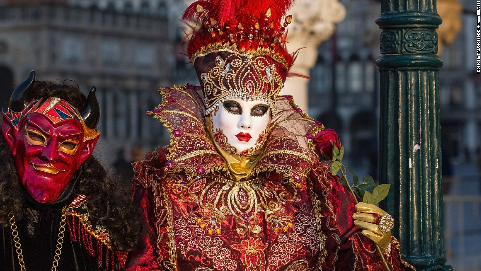 No one knows the exact origins of the carnival, but many historians believe that it originally commemorated a military victory. Today the city uses it to celebrate Venetian culture and the long history of Venetian mask making.