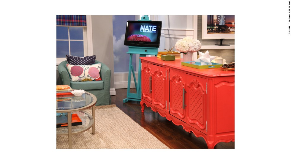 "Rashon Carraway designed a ""preppy chic"" room on the Nate Berkus show using thrift store finds."