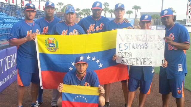 pkg hauser ny mets support venezuela_00021620.jpg