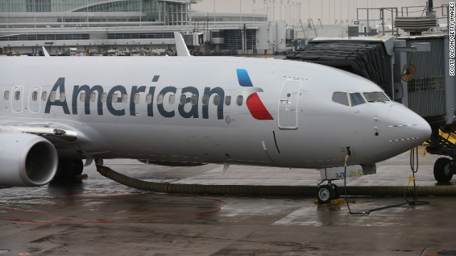 cnn.com - Jon Ostrower - American Airlines first officer dies during landing in New Mexico