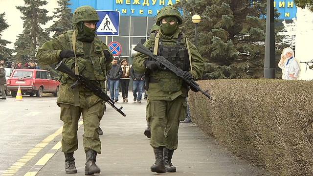 ukraine crimea unknown men magnay pkg_00003916.jpg