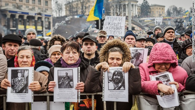 People attend a rally against Russia at Kiev's Independence square in the Ukraine capital on March 2, 2014.