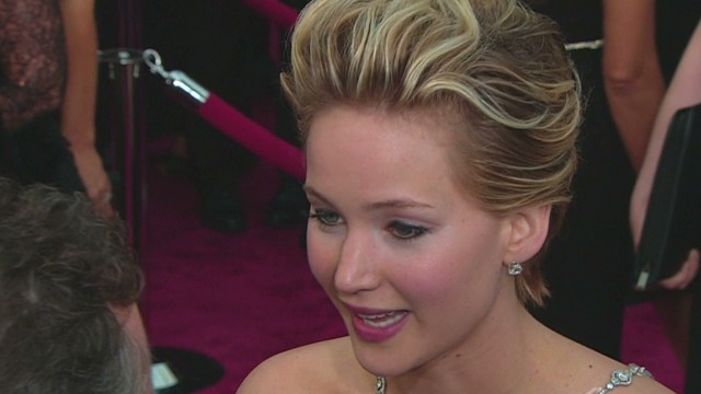 sot jennifer lawrence oscars 2014 tripped on cone piers morgan_00003215.jpg