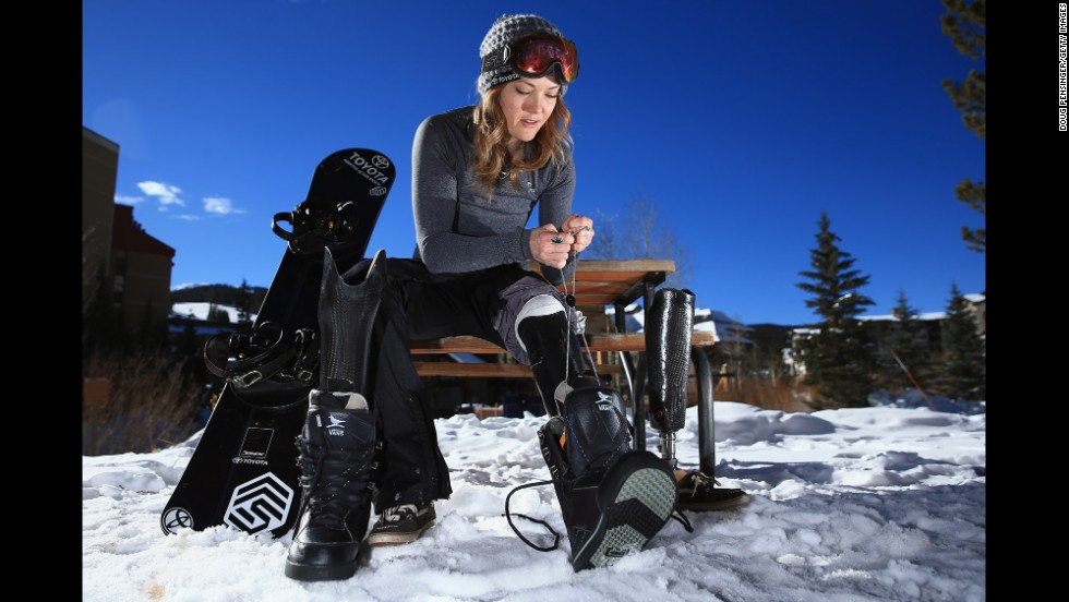 Top snowboarder Amy Purdy is going to show her skills in dance with Derek Hough this season.
