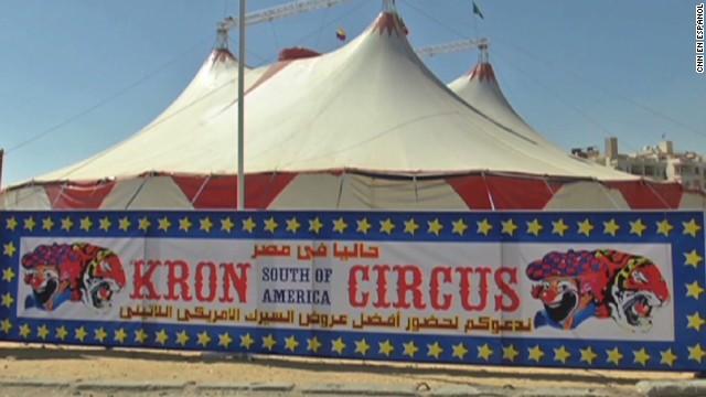 cnnee balderas venezuelan circus egypt_00000109.jpg
