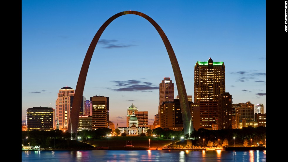 The four-minute elevator ride up the Gateway Arch in St. Louis, Missouri, brings you to the top of the 630-foot-tall wonder.