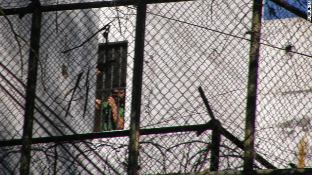 Fotos del sitio RunRun.es que muestran al opositor Leopoldo López en la cárcel militar Ramo Verde.