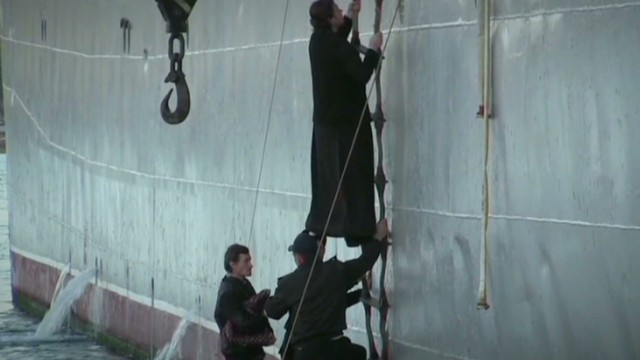 tsr intv VICE reports russians pull back crimea_00000000.jpg