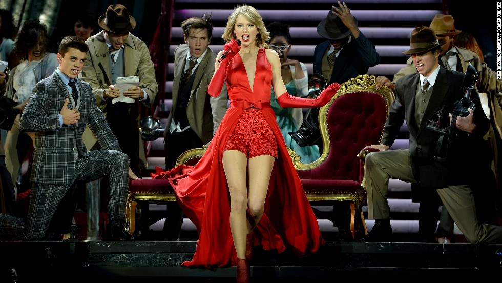 "Billboard's list of the highest-paid musicians arrived in March, and it's no shocker that seven-time Grammy winner Taylor Swift is sitting pretty. She comes in at No. 1 with $39,699,575.60 for 2013. <a href=""http://www.billboard.com/articles/list/5930326/music-s-top-40-money-makers-2014-the-rich-list#methodology"" target=""_blank""> According to Billboard</a>, it forms the list by ranking the artist's U.S. earnings, which are calculated from touring, recorded-music sales, publishing royalties and revenue from digital music and video streaming. Here are the rest of the Top 10."