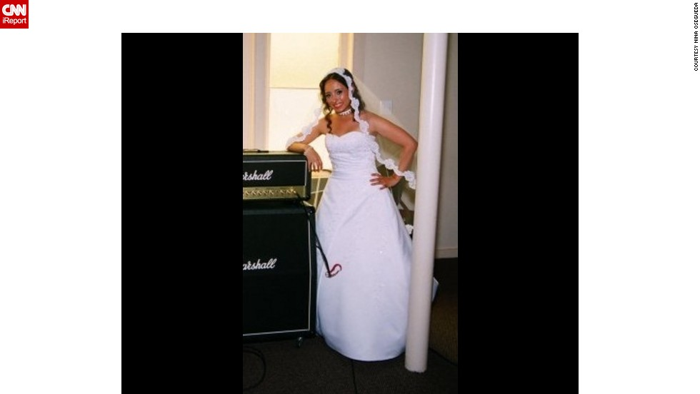 At her wedding in 2009, Osegueda was at her lowest weight of 125 pounds.