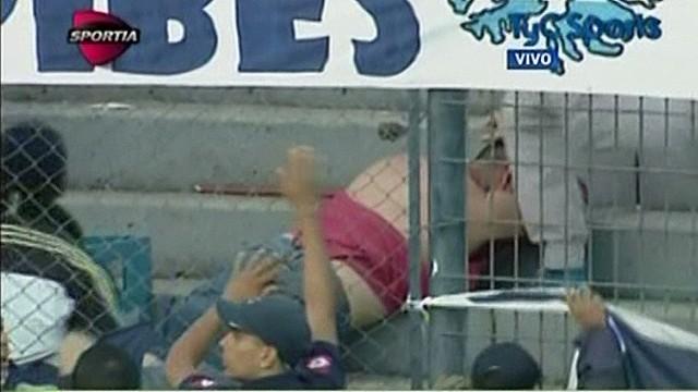 cnnee correa argentina violence in soccer games_00010604.jpg