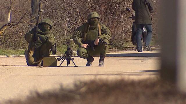 ukraine crimea tense standoff paton walsh pkg_00004821.jpg