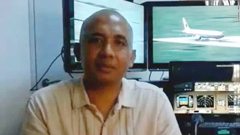 Una imagen de archivo del piloto Zaharie Ahmad Shah al mando del vuelo MH-370 de Malaysia Airlines.