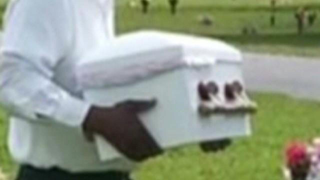 dnt fl casket mishap _00005421.jpg