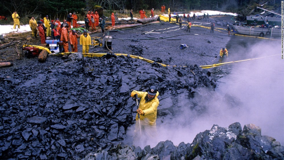 an analysis of exxon valdez oil spill Twenty-five years ago monday, the oil tanker exxon valdez struck bligh reef in alaska, causing what was then the largest us oil spill in history.
