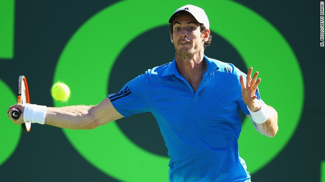 Andy Murray was a straight-sets winner over Jo-Wilfried Tsonga at the Miami Masters on Tuesday.