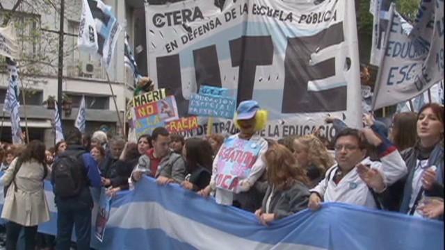 cnnee rodriguez argentina buenos aires teachers strike 14 days_00002905.jpg