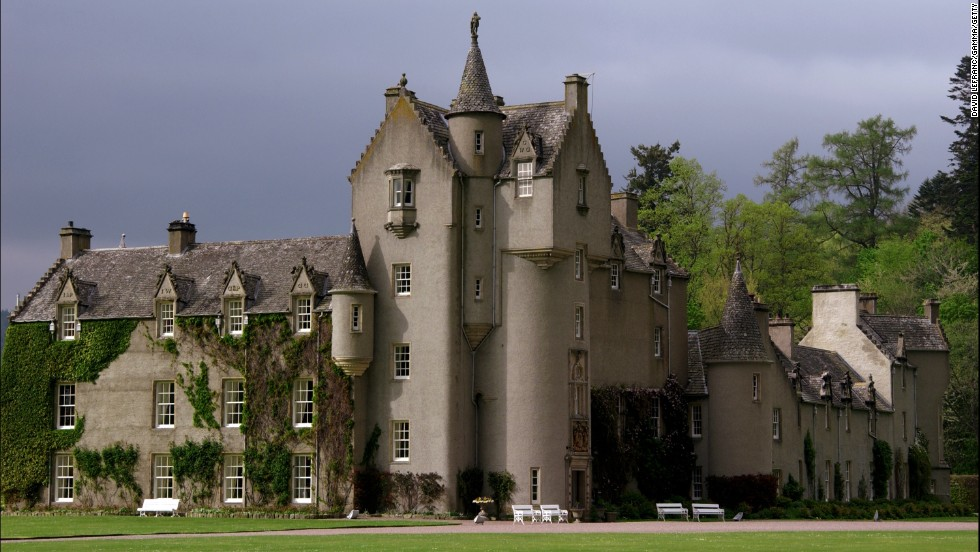 Ballindalloch Castle, in the heart of one of Scotland's whisky regions, is one of the few castles in the country that remains private.<br />