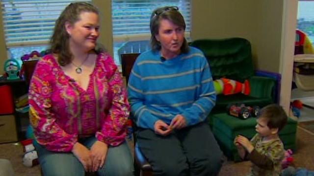 Same-sex moms: School sent mixed messages