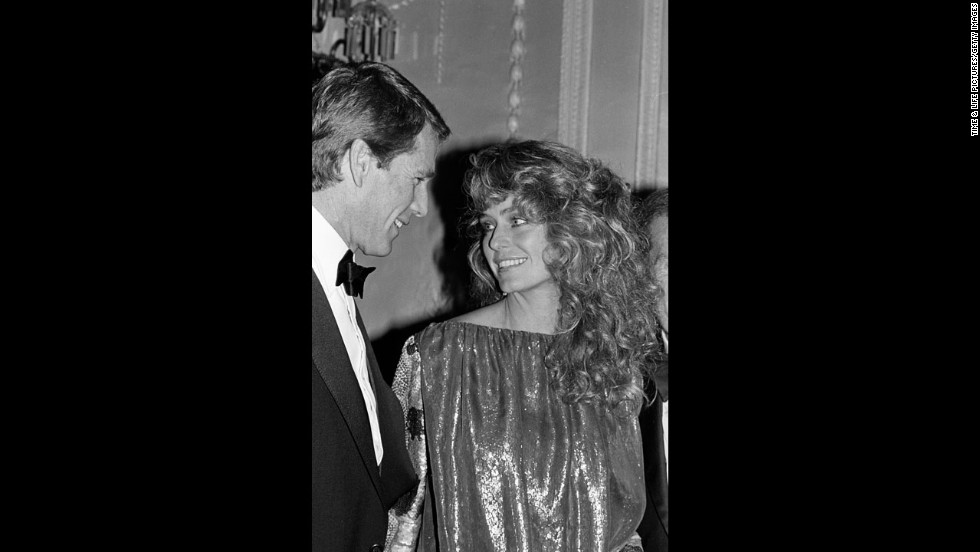 "<a href=""http://www.cnn.com/2013/12/21/showbiz/ryan-oneal-react/"">""Charlie's Angels"" star Farrah Fawcett and actor Ryan O'Neal</a> had an on-again, off-again relationship that spanned more than 30 years. They never married and were together at Fawcett's time of death in 2009."