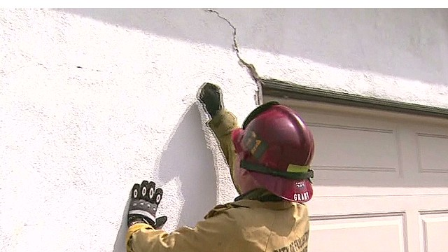 Quake leaves cracks in California homes