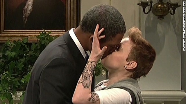 Newday SNL Obama invites Bieber Pope to White House_00002530.jpg