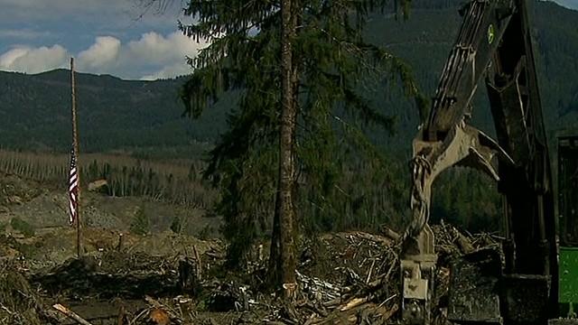 newday cabrera toxic debris hinders landslide search_00014416.jpg
