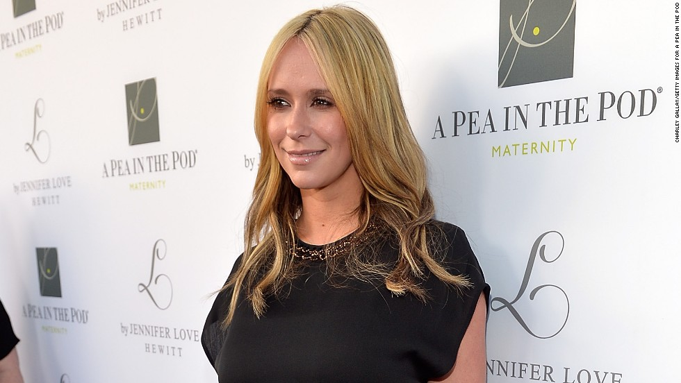 Jennifer Love Hewitt debuts her new maternity line -- and new hair color -- at A Pea in the Pod in Beverly Hills on April 1.