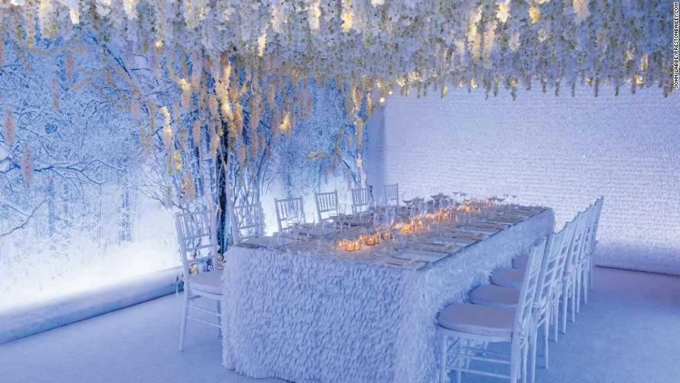 How To Decorate With Wedding Flowers Cnn Com