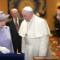 08 pope meets queen 0403