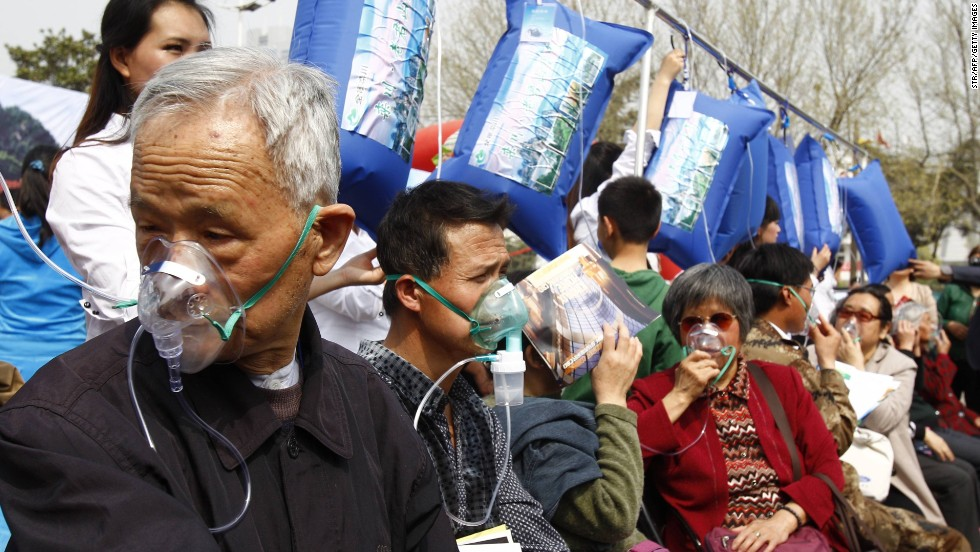 Zhengzhou was ranked 10th in a Greenpeace list of worst polluted cities in China. Citizens lined up this week for a chance to fill their lungs with air from Laojun Mountain.