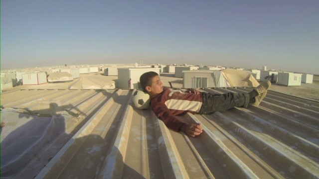 syria refugee abdallah phone_00000224.jpg