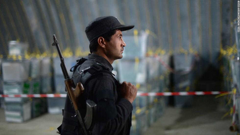 Afghan policeman election WAKIL KOHSAR%3aAFP%3aGetty Images