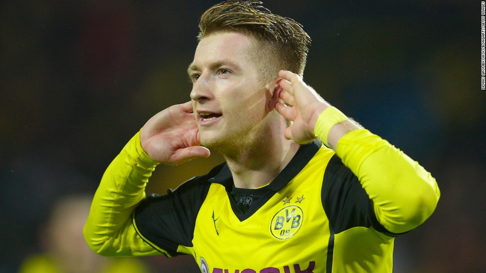 Marco Reus opened the scoring and then gave Borussia Dortmund a 2-0 lead in the 37th minute.