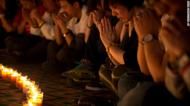 Parents of MH370 passengers keep hoping