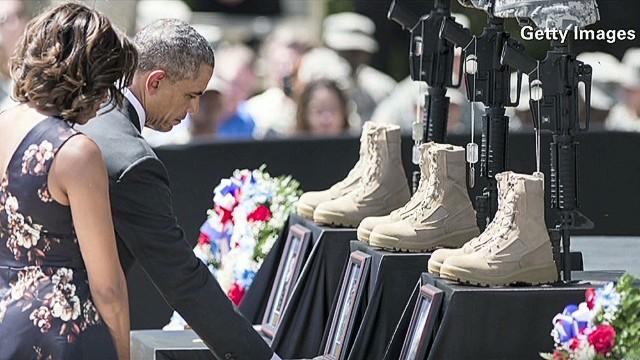exp erin sot obama fort hood memorial_00000525.jpg