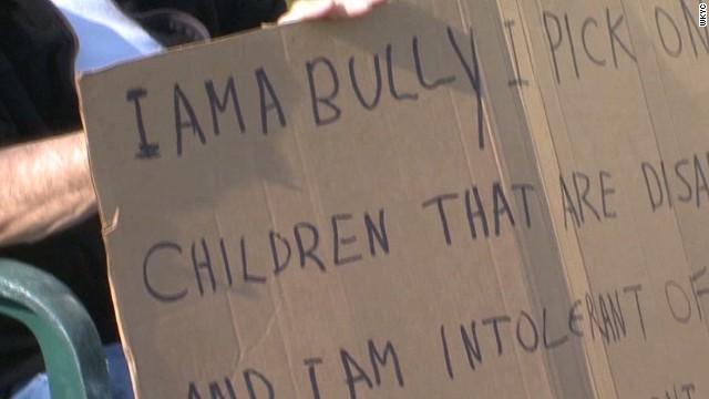 mxp ohio man holds bully sign_00001006.jpg